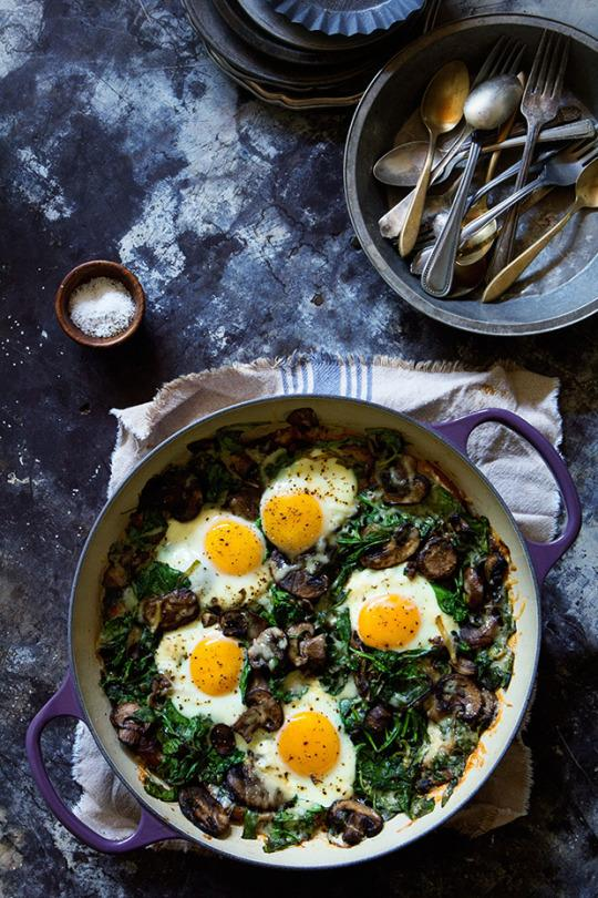 baked eggs with spinach mushrooms and leeks baked eggs with spinach ...