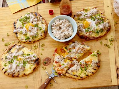 FNK_Breakfast-Pizza-with-Sausage-Gravy_s4x3.jpg.rend.sni12col.landscape